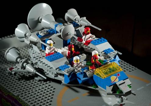 Gammalt LEGO-rymdskepp